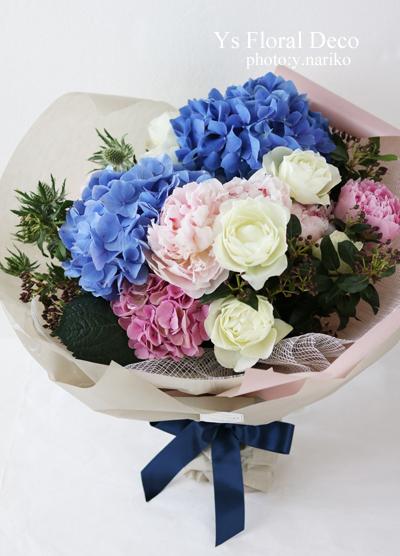 紫陽花と芍薬と薔薇のお祝い花束_b0113510_14564285.jpg