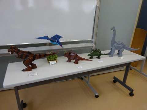 夏休み工作教室2021「段ボール材で恐竜を作ろう」_a0269923_17474885.jpg