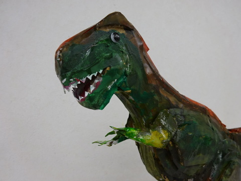★作品展★夏休み工作教室2021「段ボール材で恐竜を作ろう」_a0269923_18074669.jpg