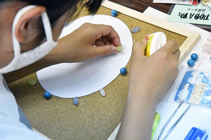 夏の体験講座2021「モザイクアートの掛け時計を作ろう!」ご紹介_b0212226_11043807.jpg