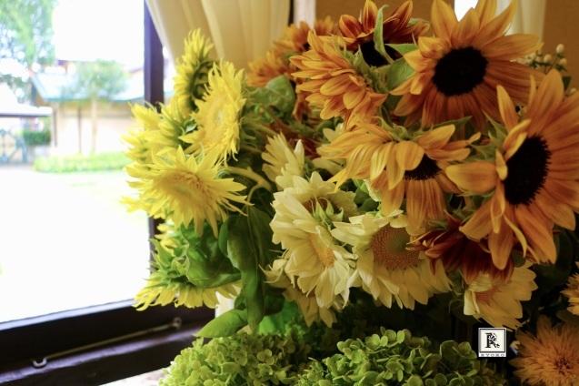 いろいろなひまわり🌻たちと夏の花々をあしらいました_c0128489_00023682.jpeg
