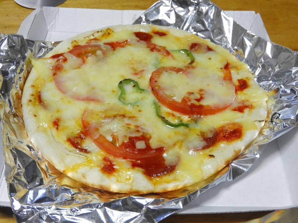 今夜はピザで!_e0372207_22245334.jpg