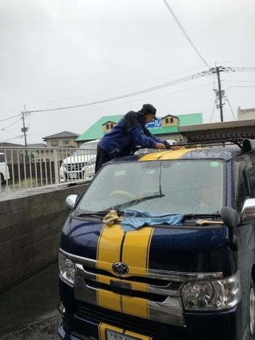 雨の時は洗車につきるっ❗️_b0110736_14482212.jpeg