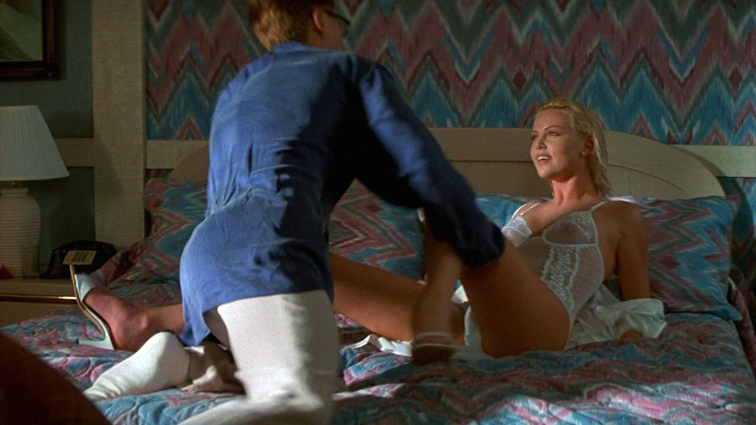 シャーリーズ・セロン(Charlize Theron)「2 days トゥー・デイズ」(1996)・・・其の弐_e0042361_20451471.jpg