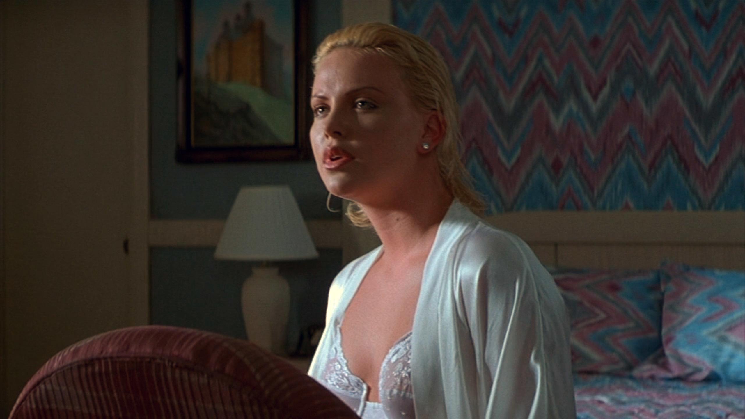 シャーリーズ・セロン(Charlize Theron)「2 days トゥー・デイズ」(1996)・・・其の弐_e0042361_20452288.jpg
