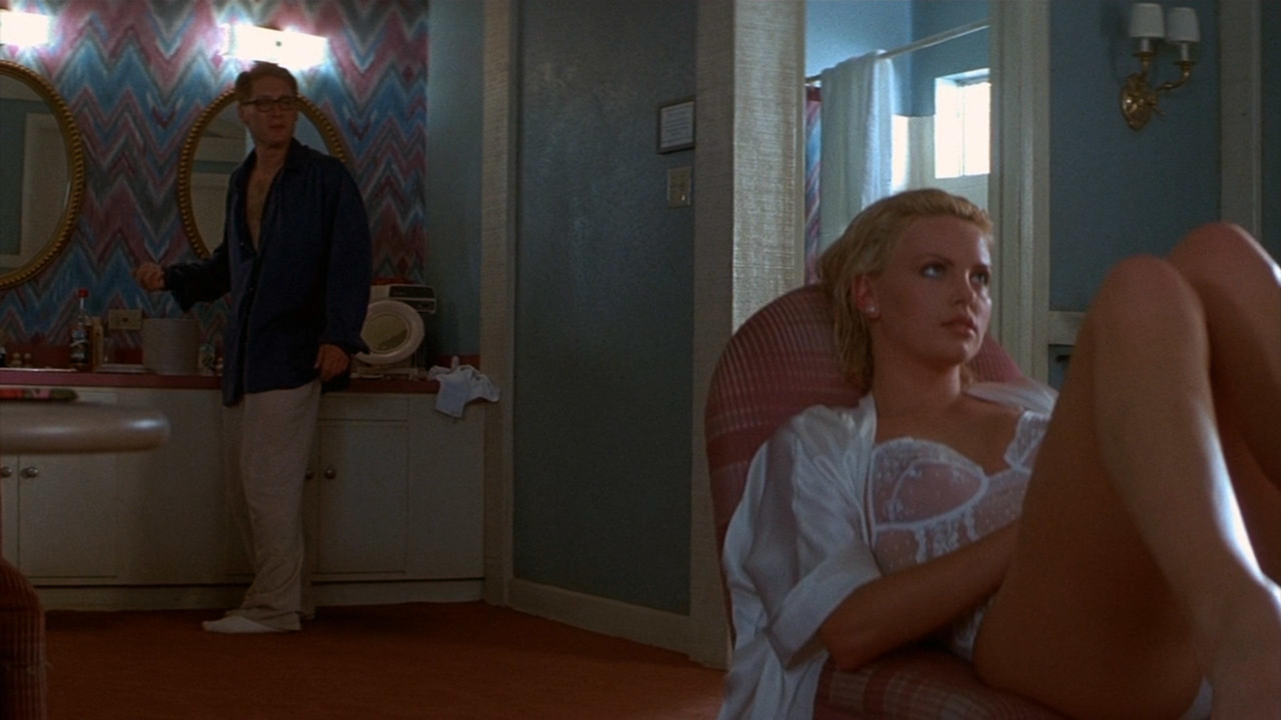 シャーリーズ・セロン(Charlize Theron)「2 days トゥー・デイズ」(1996)・・・其の弐_e0042361_20453118.jpg