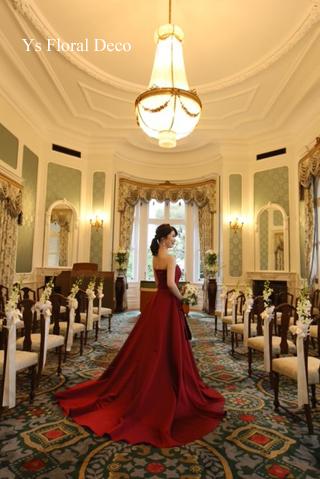 赤ドレスの新婦さんへ 白とくすみピンクのクラッチブーケ_b0113510_13373100.jpg