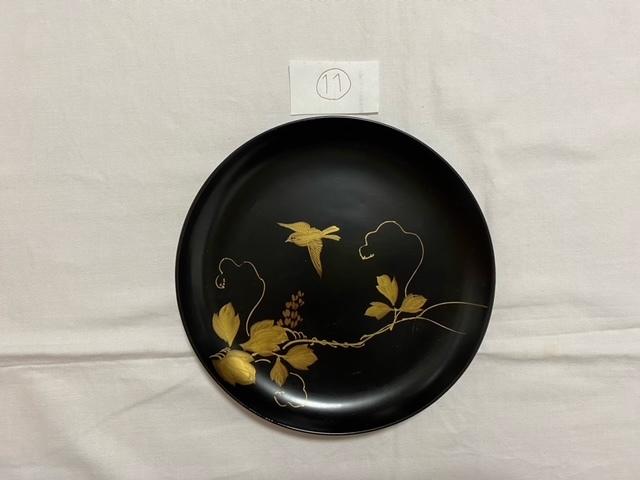 絵替わりの黒塗り蒔絵皿。_c0405112_12272192.jpeg