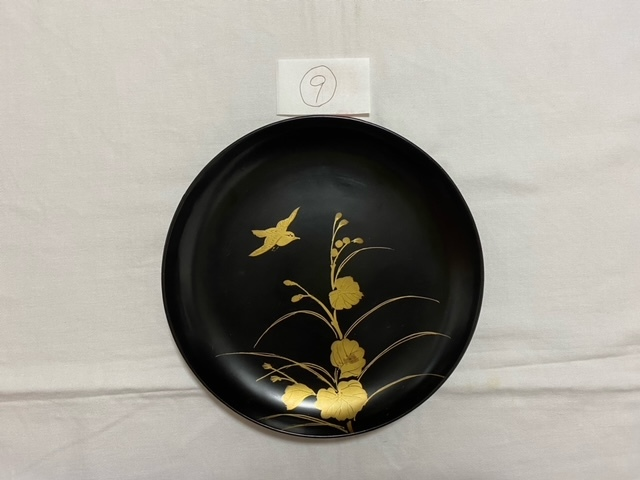 絵替わりの黒塗り蒔絵皿。_c0405112_12295597.jpeg