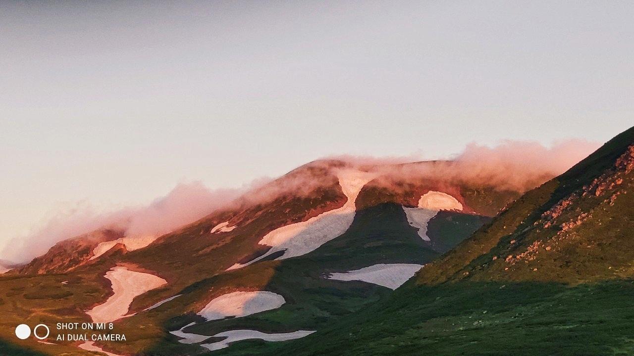 大雪山黒岳へ!!『神々の遊ぶ庭』と呼ばれる絶景をトレッキング - Trek Daisetsuzan National Park_b0108109_22480437.jpeg