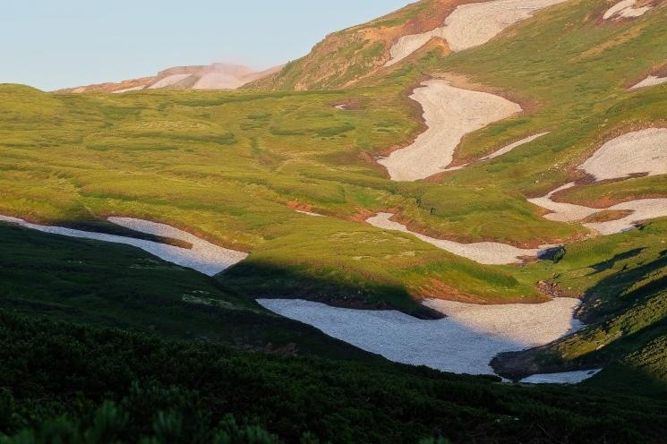 大雪山黒岳へ!!『神々の遊ぶ庭』と呼ばれる絶景をトレッキング - Trek Daisetsuzan National Park_b0108109_22550338.jpeg