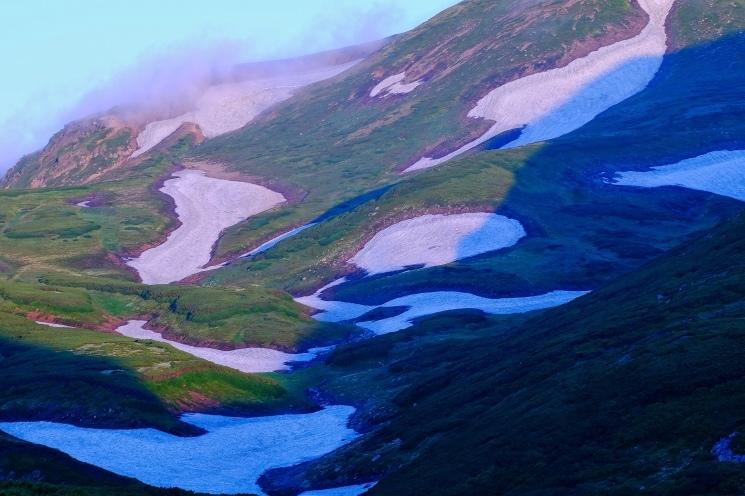 大雪山黒岳へ!!『神々の遊ぶ庭』と呼ばれる絶景をトレッキング - Trek Daisetsuzan National Park_b0108109_22575605.jpeg