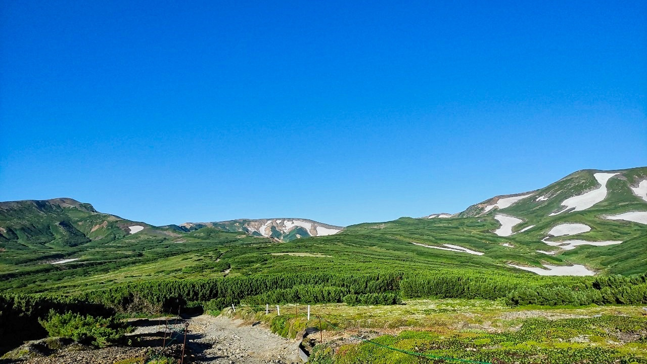 大雪山黒岳へ!!『神々の遊ぶ庭』と呼ばれる絶景をトレッキング - Trek Daisetsuzan National Park_b0108109_00431759.jpeg