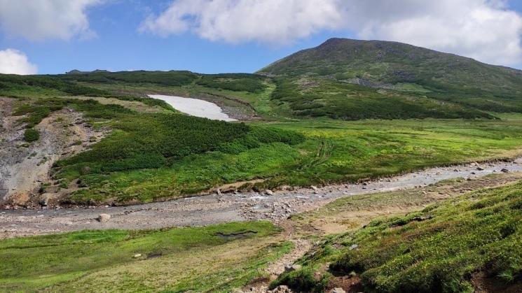 大雪山黒岳へ!!『神々の遊ぶ庭』と呼ばれる絶景をトレッキング - Trek Daisetsuzan National Park_b0108109_21132517.jpeg