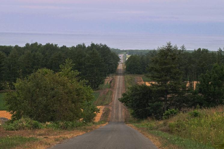 斜里の広域農道探訪 - Rural landscape with straight farm road of Shari_b0108109_21430807.jpeg