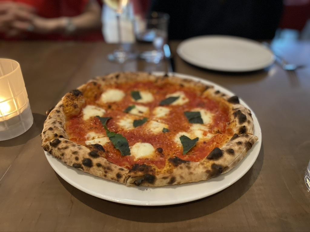 イタリアンレストランの「Tutto」へ_d0129786_05451194.jpeg