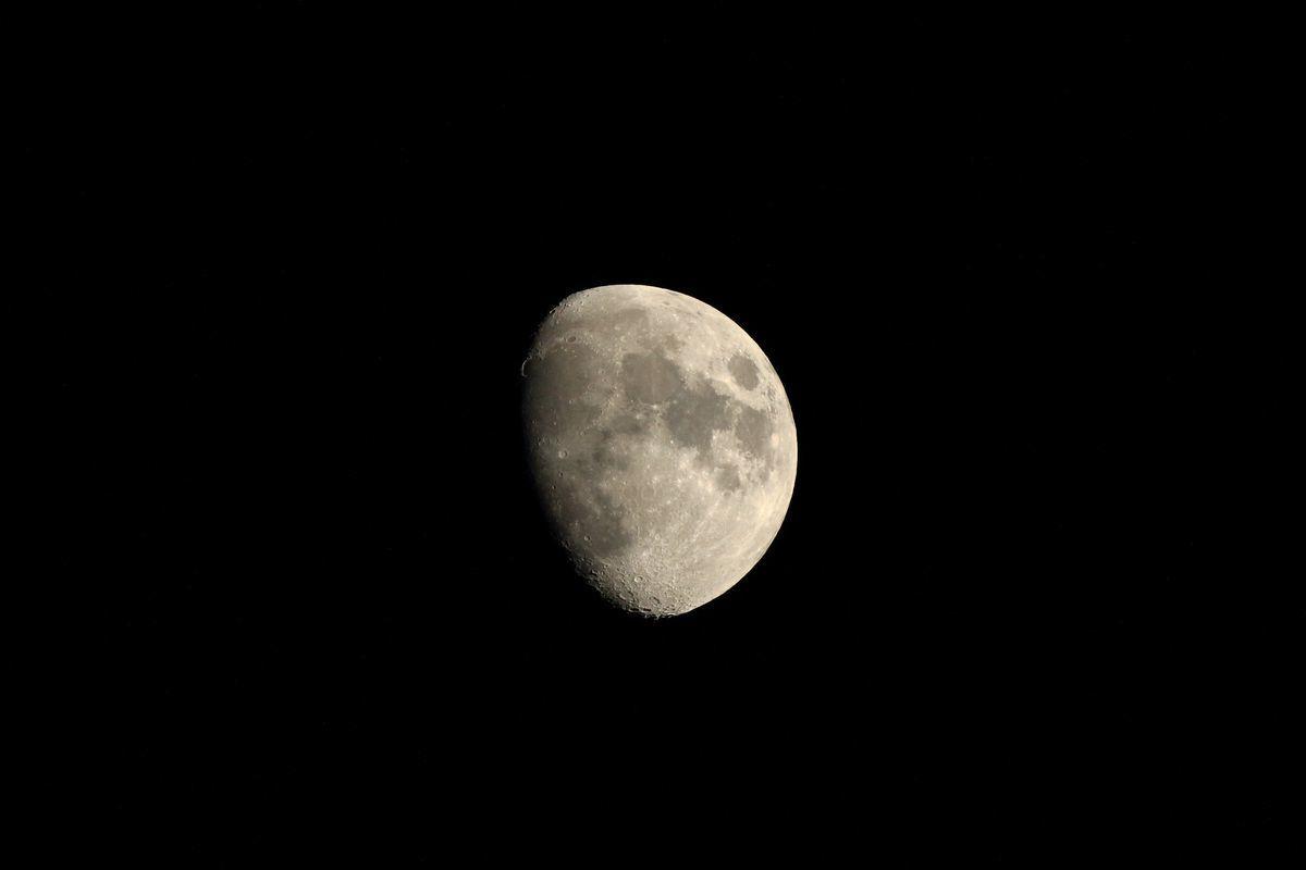 月着陸_b0184848_21393703.jpg