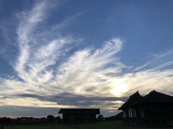 空が美しいと・・_b0100229_16494802.jpg