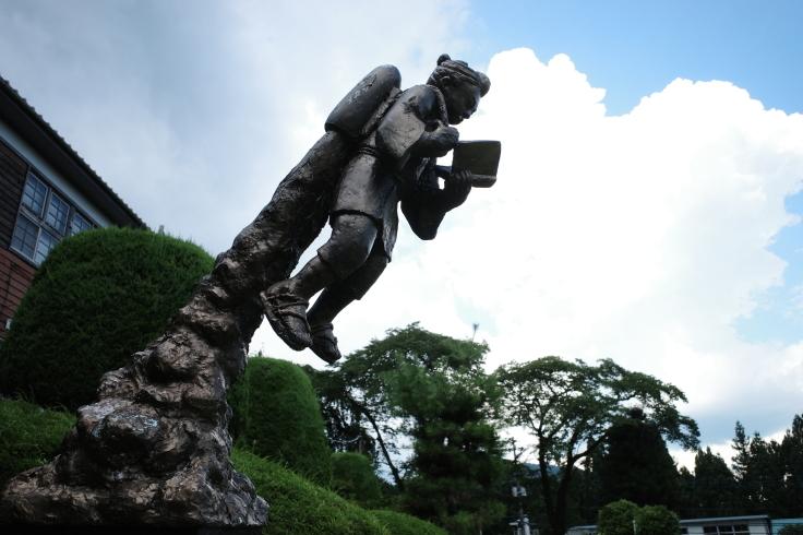 ブロンプトンと夏の長野県へ その15 ~ ジェット二宮金次郎像を見に伊参スタジオ公園へ_a0287336_08340953.jpg