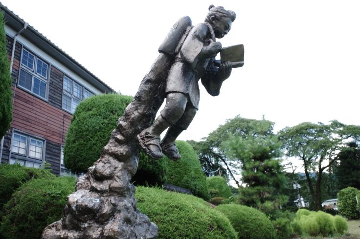 ブロンプトンと夏の長野県へ その15 ~ ジェット二宮金次郎像を見に伊参スタジオ公園へ_a0287336_08514853.jpg