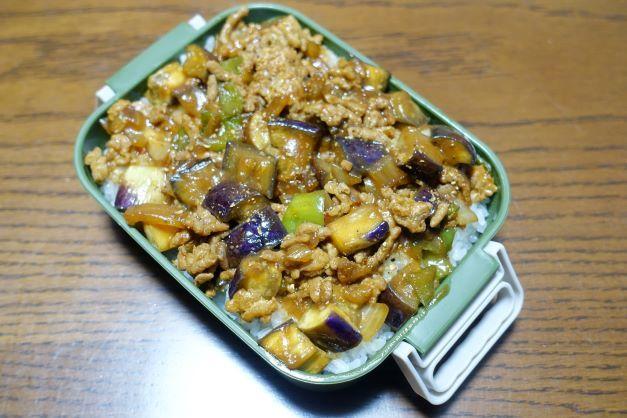 ある日のお弁当(麻婆茄子丼)_b0287241_06290743.jpg
