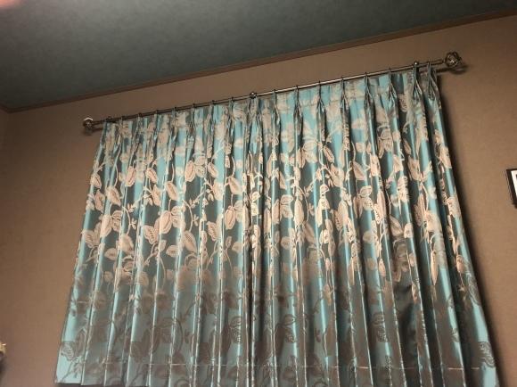 当店の場合取付るカーテンから逆算してのクロスコーディネートです。_e0133255_11573997.jpeg