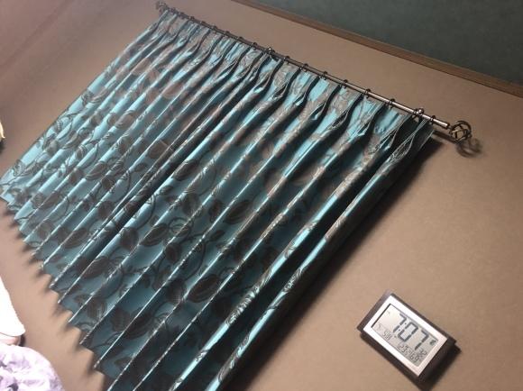 当店の場合取付るカーテンから逆算してのクロスコーディネートです。_e0133255_11581865.jpeg