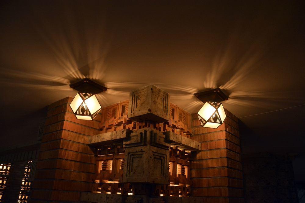 帝国ホテルの照明_e0373930_19353421.jpg