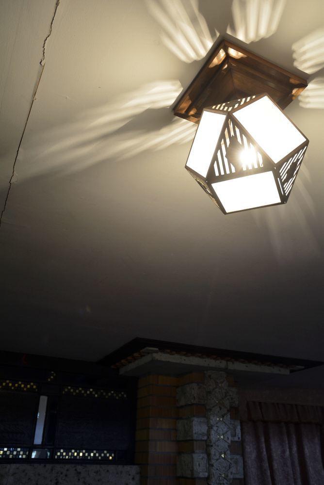 帝国ホテルの照明_e0373930_19353458.jpg