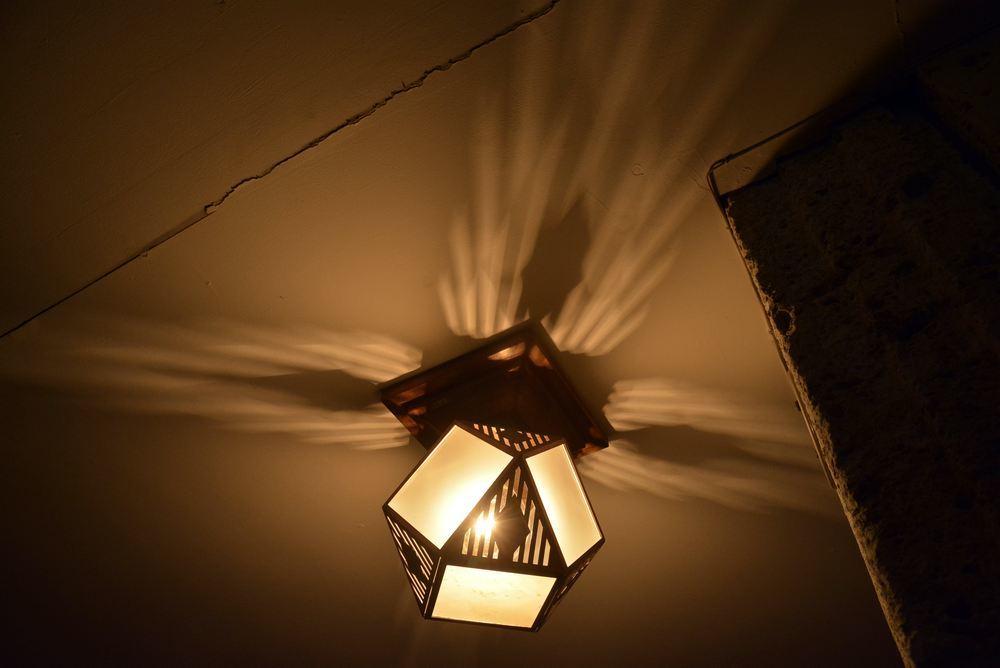 帝国ホテルの照明_e0373930_19353497.jpg