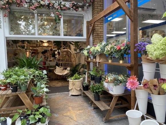 キツラノの可愛い花屋さん「Leis de Buds」_d0129786_14520339.jpeg