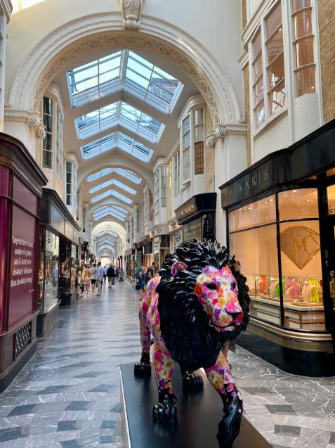 「ロンドンに現れたライオンを追いかける」ニューズウィーク日本版World Voiceのブログ更新_e0114020_01394493.jpeg