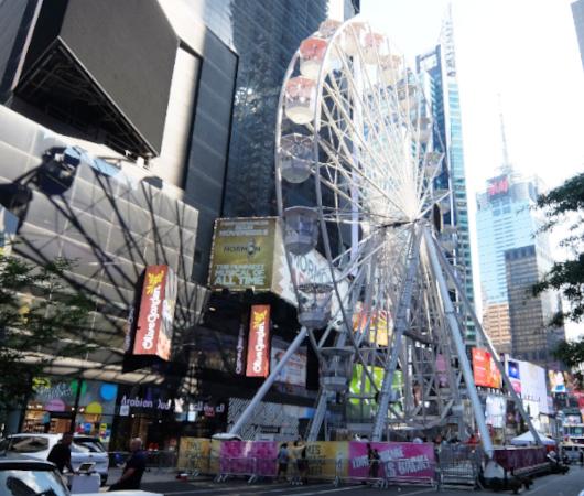 タイムズ・スクエアに高さ約34mの観覧車⁉が登場中_b0007805_06021785.jpg