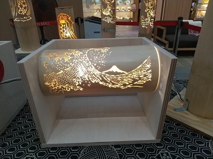 イオンで素晴らしい竹灯籠の作品展示_d0247833_17295919.jpg