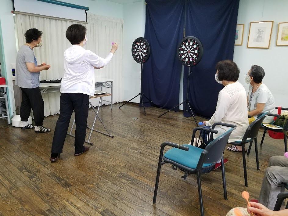 認知症予防教室(ダーツで脳トレーニング)_c0113948_13511660.jpg