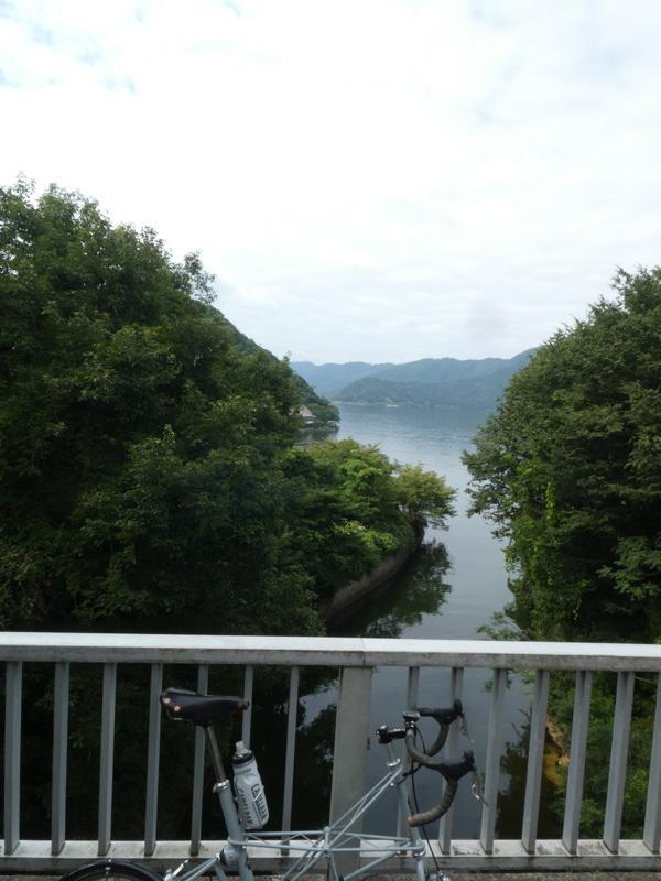 三方五湖はど平坦でなかなか良いぞ。(笑)_d0383596_00091960.jpg