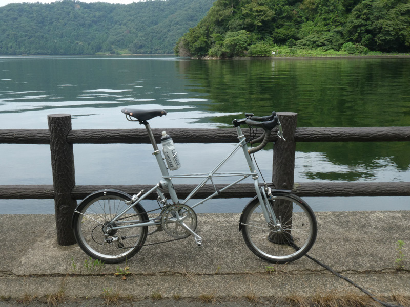 三方五湖はど平坦でなかなか良いぞ。(笑)_d0383596_00091999.jpg