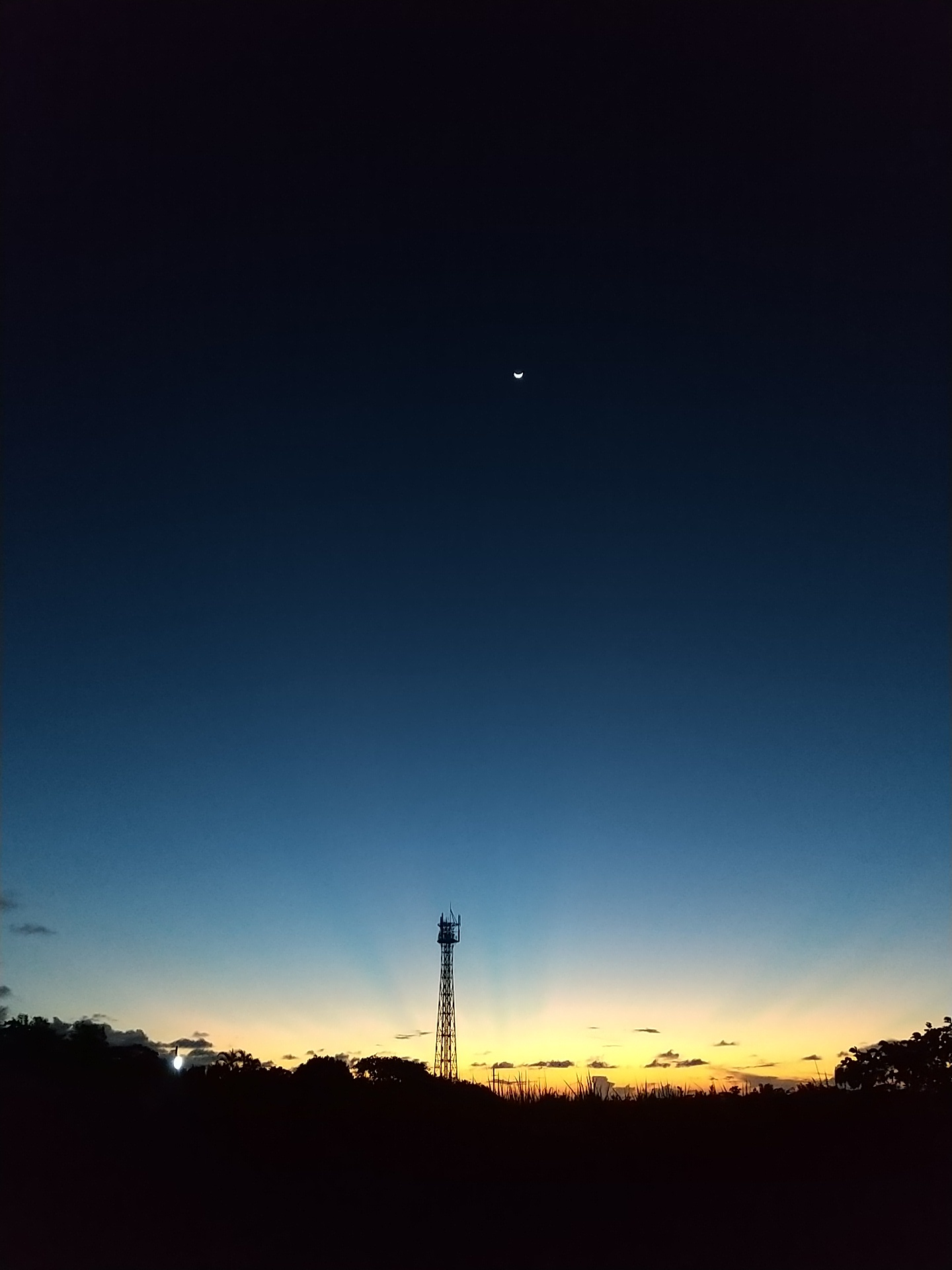 夜明け前そして朝陽。_e0251855_08354807.jpg