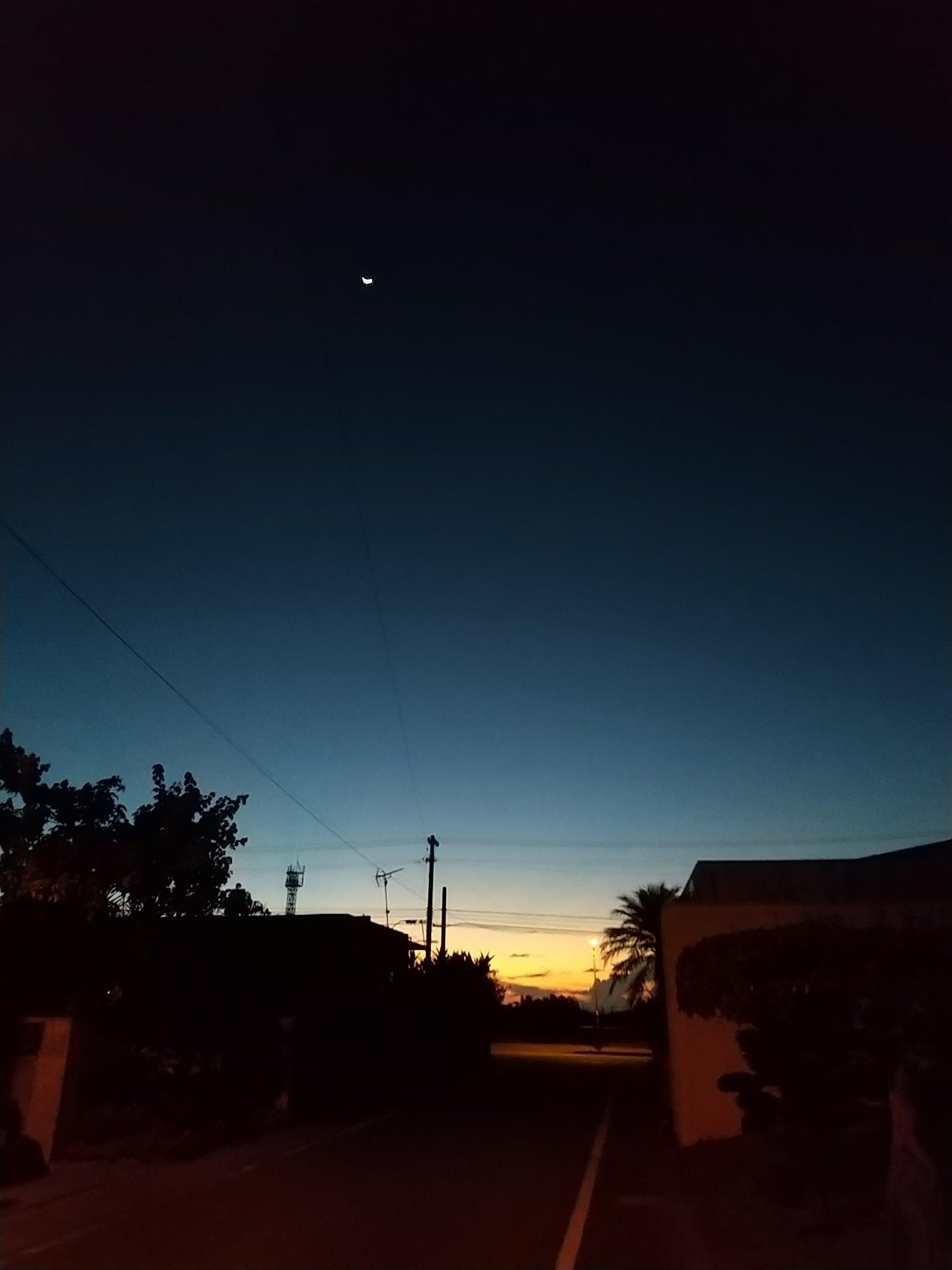 夜明け前そして朝陽。_e0251855_08354845.jpg