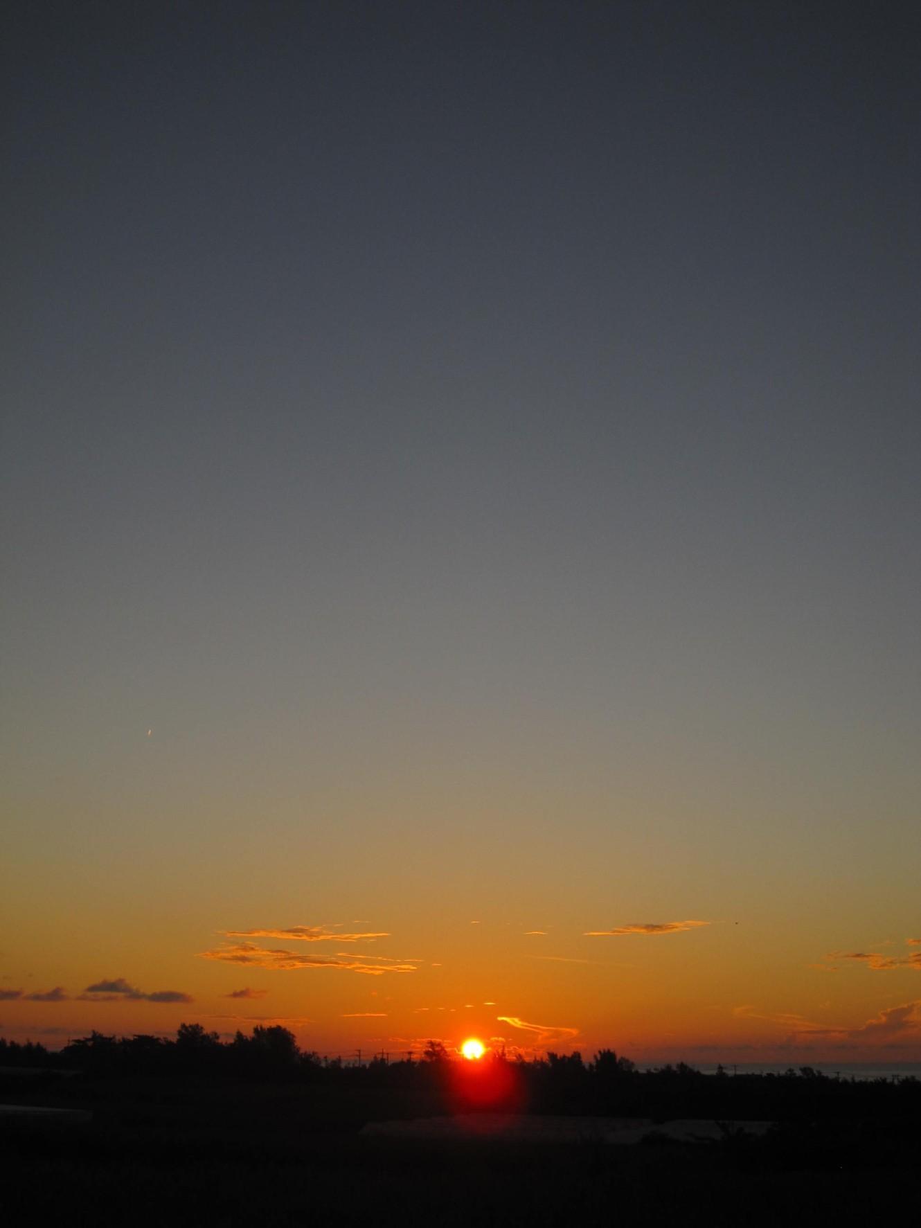 夜明け前そして朝陽。_e0251855_08402605.jpg