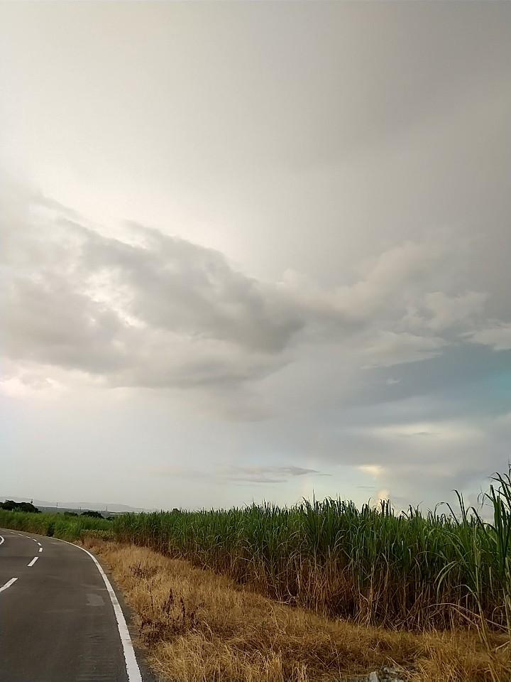 雲。虹。夕陽。夕焼け。_e0251855_19433679.jpg