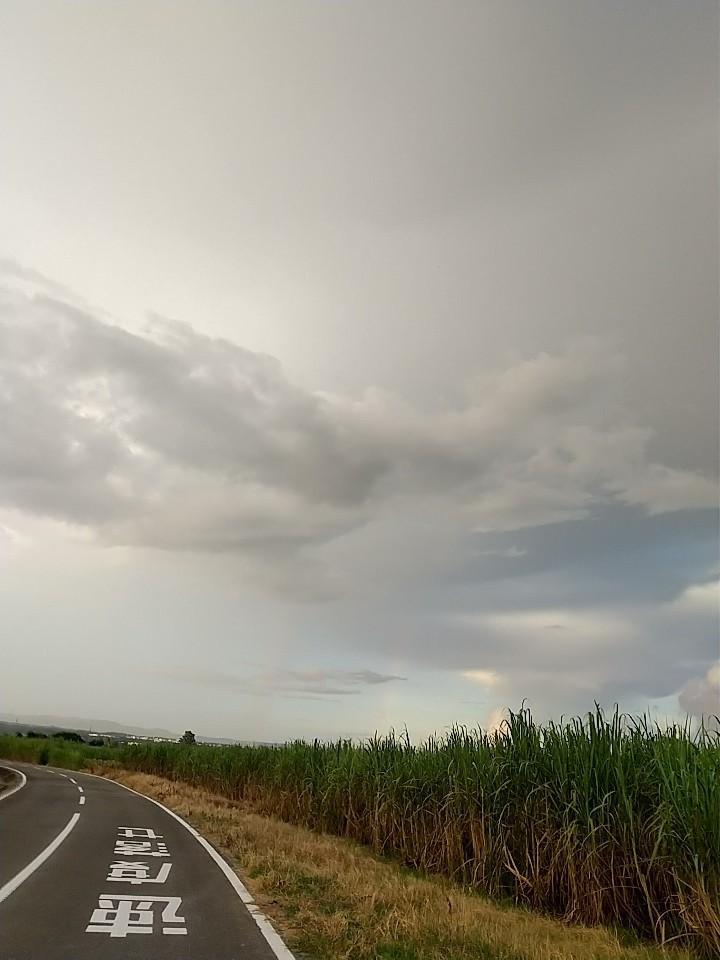雲。虹。夕陽。夕焼け。_e0251855_19433697.jpg