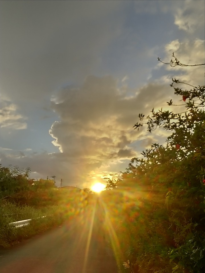 雲。虹。夕陽。夕焼け。_e0251855_19474119.jpg