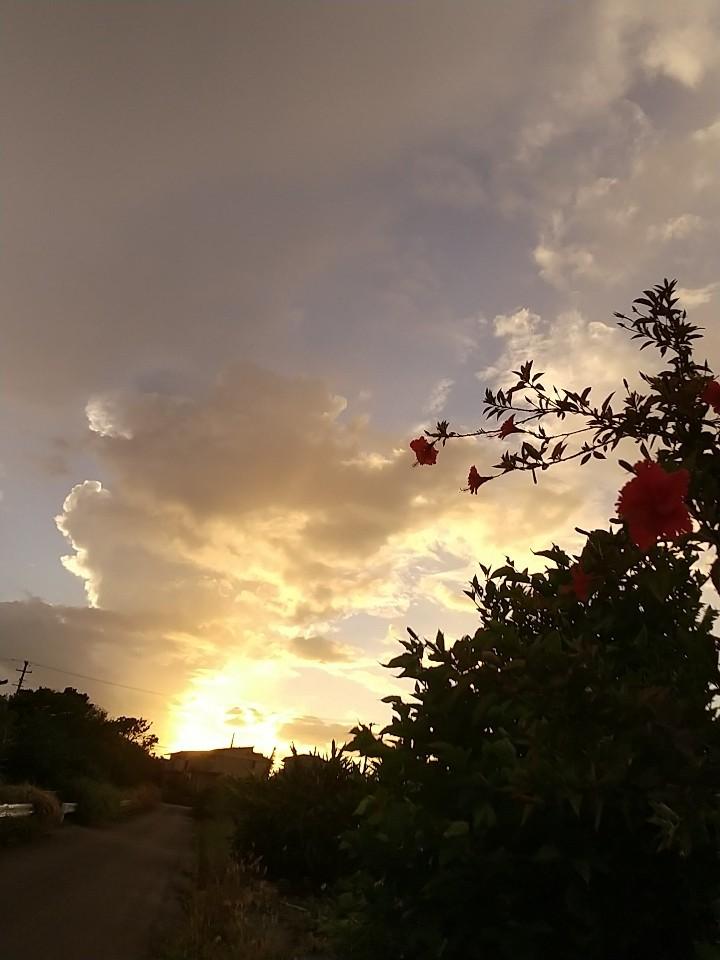 雲。虹。夕陽。夕焼け。_e0251855_19474238.jpg