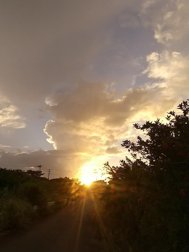 雲。虹。夕陽。夕焼け。_e0251855_19474253.jpg