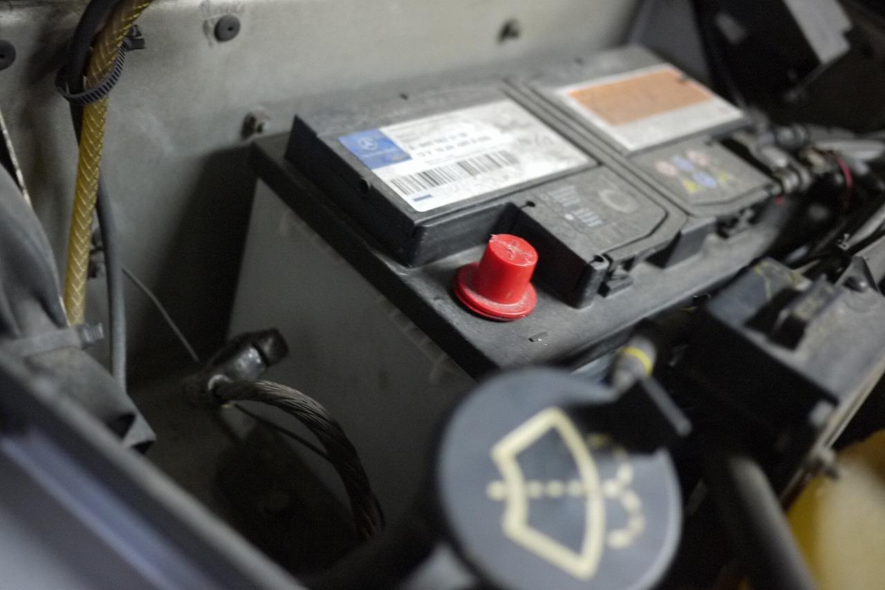 W463 AMG G36 ウインカーレバー交換 そしてあり得ない そして救い_d0171835_16564616.jpg