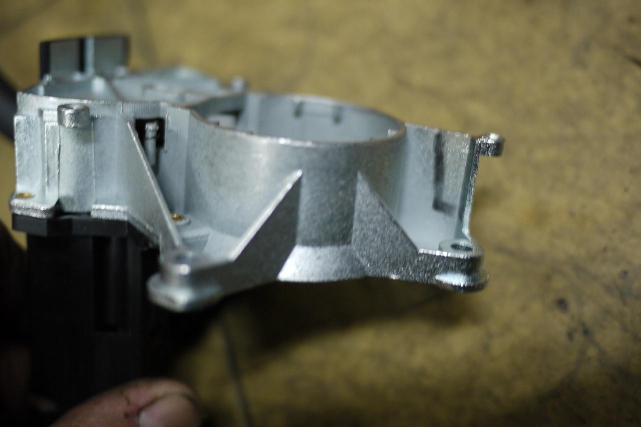 W463 AMG G36 ウインカーレバー交換 そしてあり得ない そして救い_d0171835_16574552.jpg