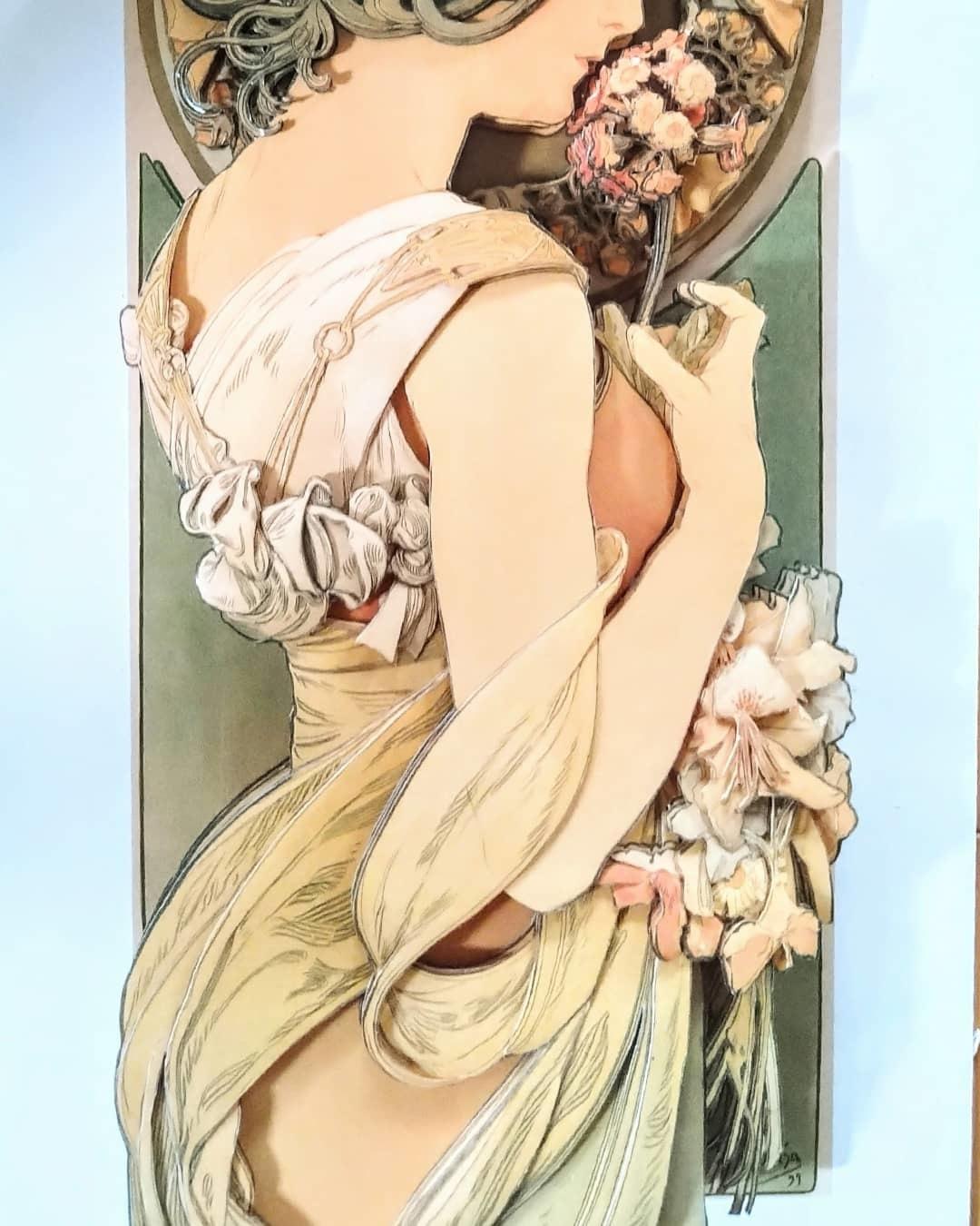 ミュシャ、桜草〜♪_e0354890_09405107.jpg