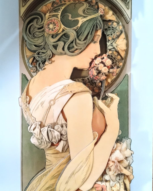 ミュシャ、桜草〜♪_e0354890_09405173.jpg