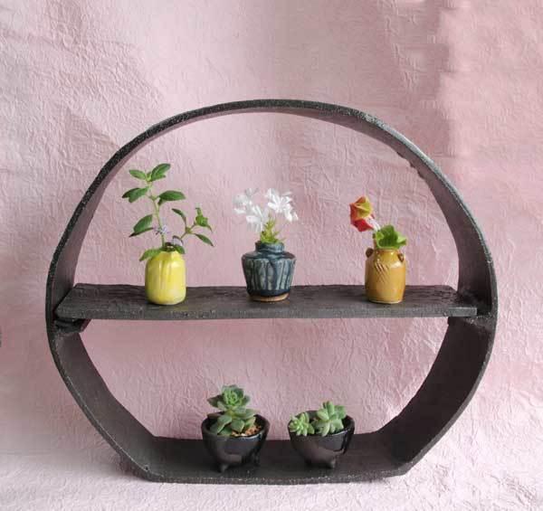超ミニサイズの花器とミニ鉢と陶器の飾り棚_c0404426_12055051.jpg